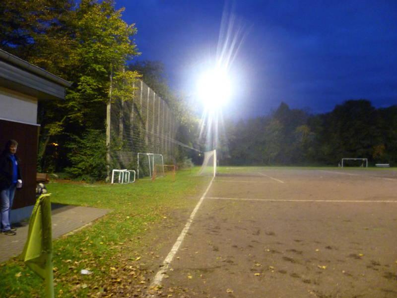 Sportanlage_Rheinpreu�enstra�e_Nebenplatz