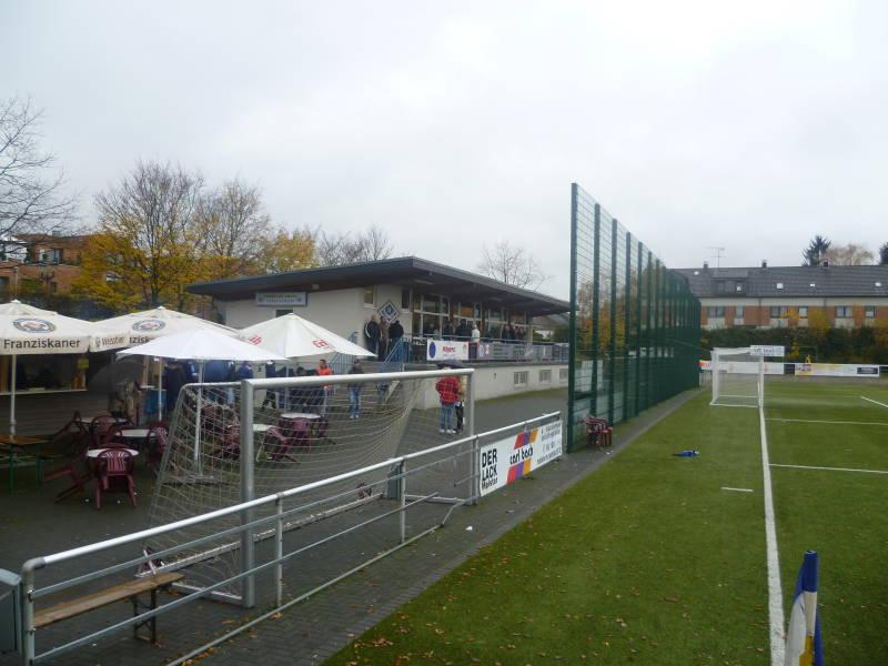MEGA_Stadion_Sandstra�e